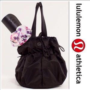 Lululemon BLISS BAG Crossbody Black Blossom Pink